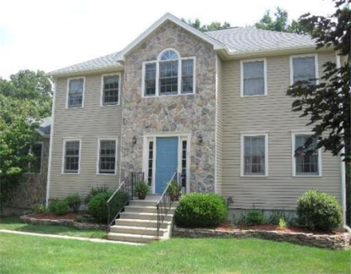 37  Bouffard Dr,  Marlborough, MA