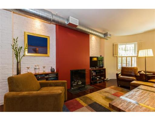 Boston MA Open Houses | Open Homes | CPC Open Houses, Beautiful Parlor level, three bedroom home. Sunny open living/dining room w/ bow