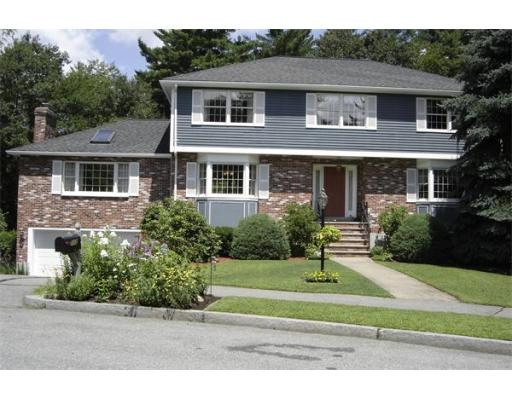 112  Colonial Dr.,  Reading, MA