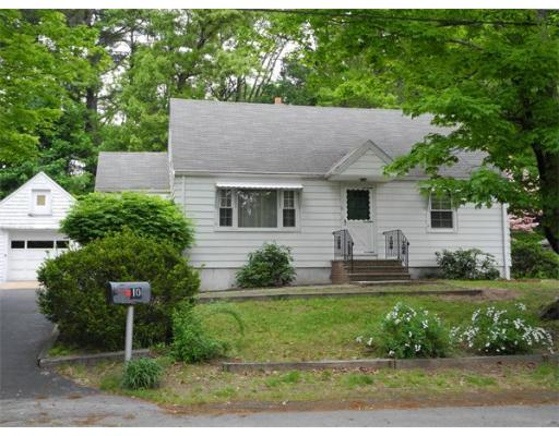 10  Robert Cir,  Tewksbury, MA