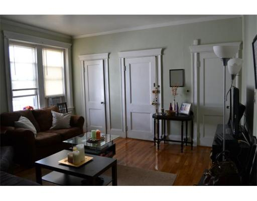 Additional photo for property listing at 1537 Beacon Street 1537 Beacon Street Brookline, Massachusetts 02445 Estados Unidos