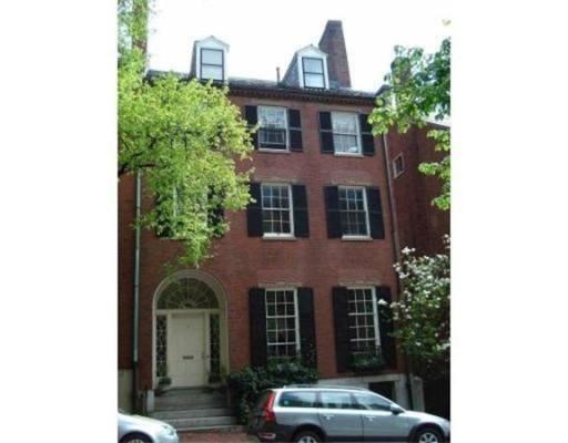 Additional photo for property listing at 14 Chestnut 14 Chestnut Boston, Massachusetts 02108 Estados Unidos