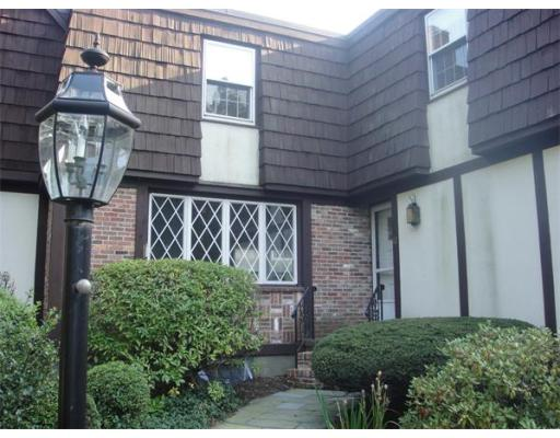 Additional photo for property listing at 17 Brook Street 17 Brook Street Wellesley, Massachusetts 02482 États-Unis