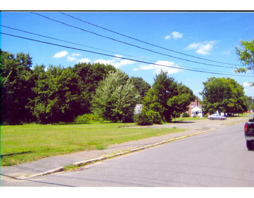0-L22A Russell Terrace, Holyoke, MA 01040