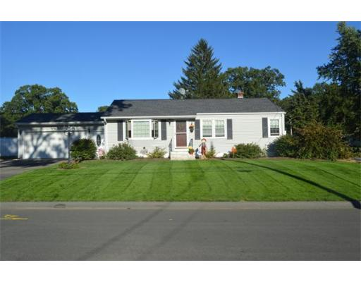 89  Oakwood Street,  Chicopee, MA