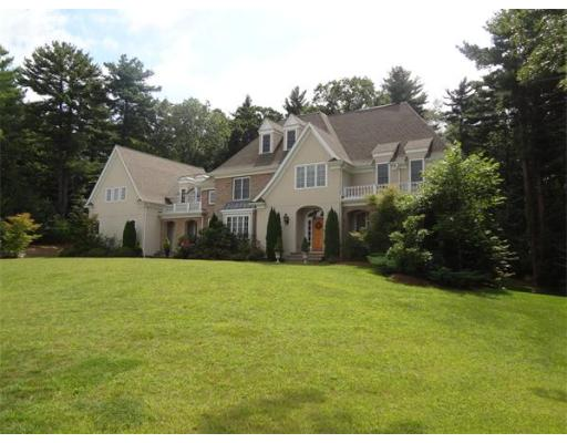 Single Family Home for Sale at 4 Copperbeech Circle Westborough, Massachusetts 01581 United States
