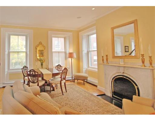 Condominium for sale in Mason Storrow Condominium, 4 Beacon Hill, Boston, Suffolk