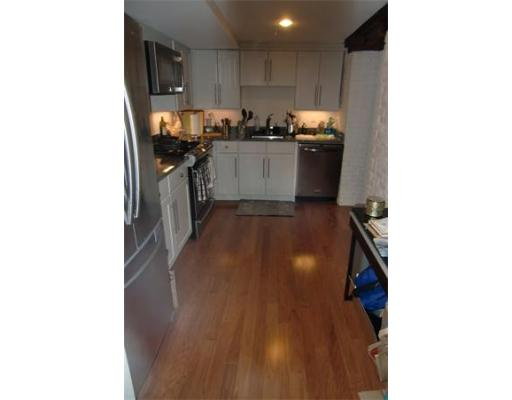 Apartment for Rent at 55 North Washington Street 55 North Washington Street Boston, Massachusetts 02113 United States