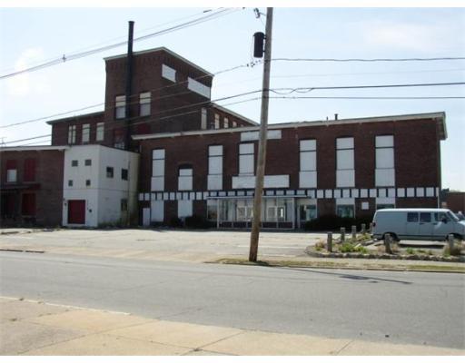 Thương mại vì Thuê tại 665 Orchard Street New Bedford, Massachusetts 02744 Hoa Kỳ