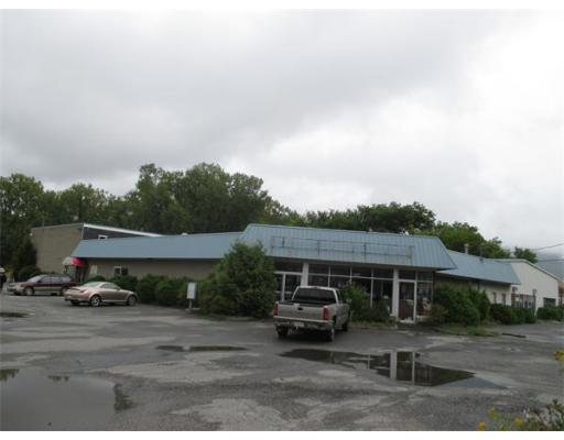 Commercial للـ Sale في 420 Curran Highway North Adams, Massachusetts 01247 United States