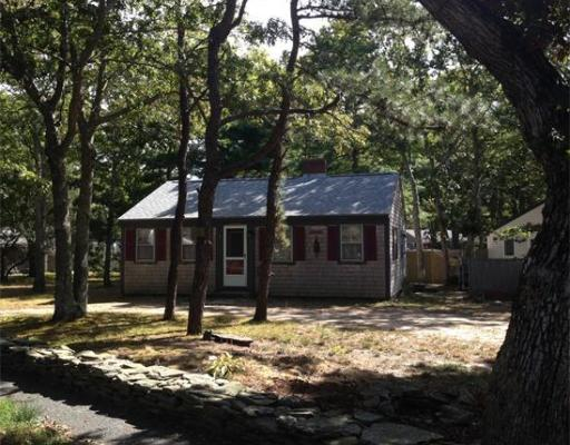 15  Howes Rd,  Yarmouth, MA
