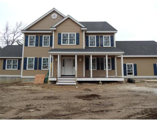 $699,900 - 4Br/3Ba -  for Sale in Chelmsford