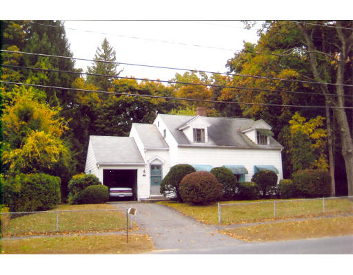 4  Hillside Avenue,  South Hadley, MA