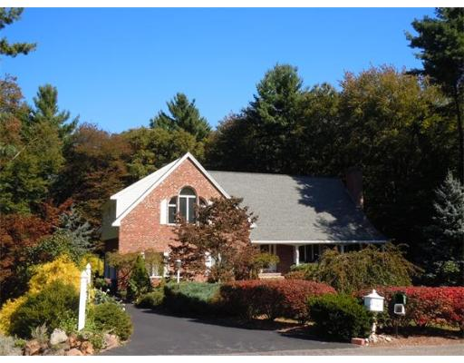 $699,900 - 4Br/3Ba -  for Sale in West Newbury