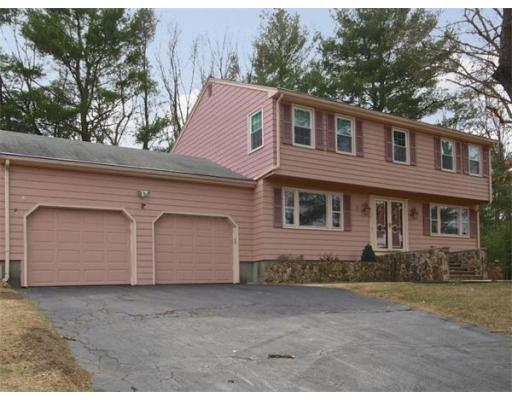 68  Overlook Dr W,  Framingham, MA