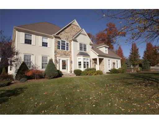 51  Coach Rd,  North Attleboro, MA