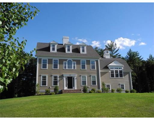 Single Family Home for Sale at 213 Jean Carol Road Abington, Massachusetts 02351 United States
