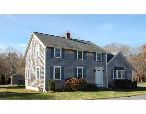 17  Thatcher Street,  Dartmouth, MA