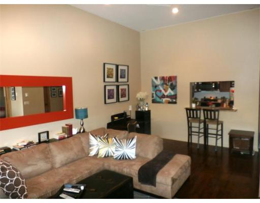 Lofts.com apartments, condos, coops, houses & commercial real estate - South Boston Lofts ()