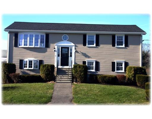 105  Anchor Dr,  Somerset, MA