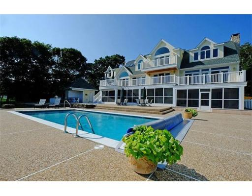 13  Pine Tree Dr,  Wareham, MA