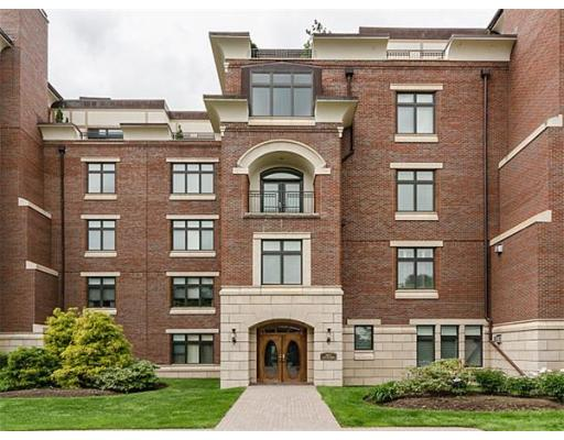 Condominium/Co-Op for sale in Longyear at Fisher Hill, 204C , Brookline, Norfolk