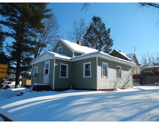 3  Pleasantview Ave,  Chicopee, MA