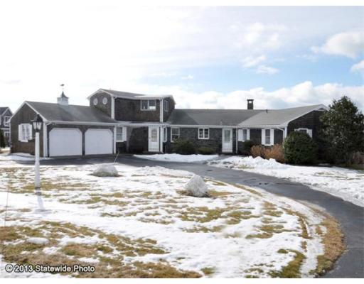 little compton singles Spacious, single level home situated on nearly two acres in the heart of little comptonif you have been searching for a home in a beach.