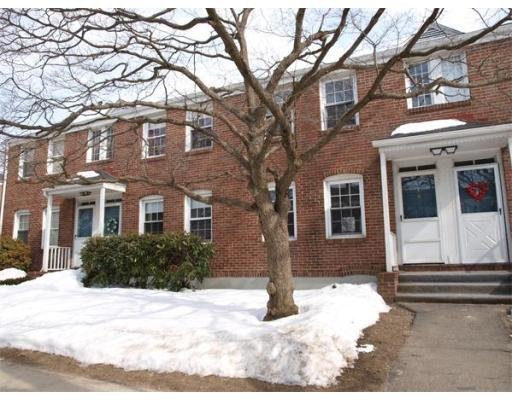 4  Colony Rd,  West Springfield, MA