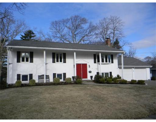 21  Hollingsworth Ave,  Braintree, MA