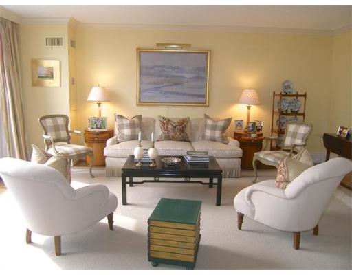 Luxury Condominium for sale in Four Seasons Place Condominium, 1104 Back Bay, Boston, Suffolk