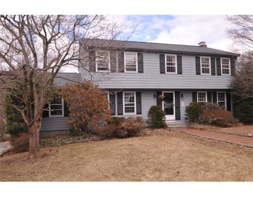 61  Overlook Dr W,  Framingham, MA