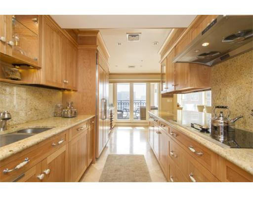 Condominium/Co-Op for sale in Rowes Wharf, 408/508 Waterfront, Boston, Suffolk