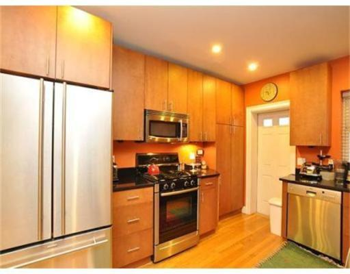 Additional photo for property listing at 30 Edgerly Road 30 Edgerly Road Boston, Massachusetts 02115 Estados Unidos