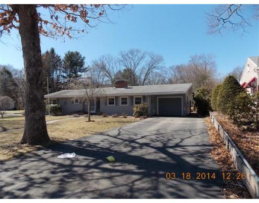 152  Country Club Ln,  Brockton, MA