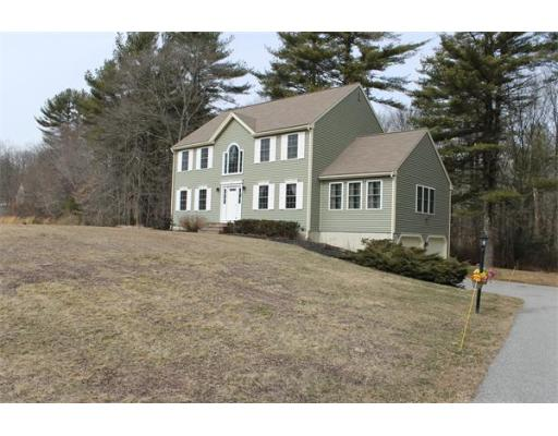 32  Gretchen Way,  Raynham, MA