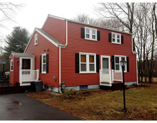 541  Center St,  Raynham, MA