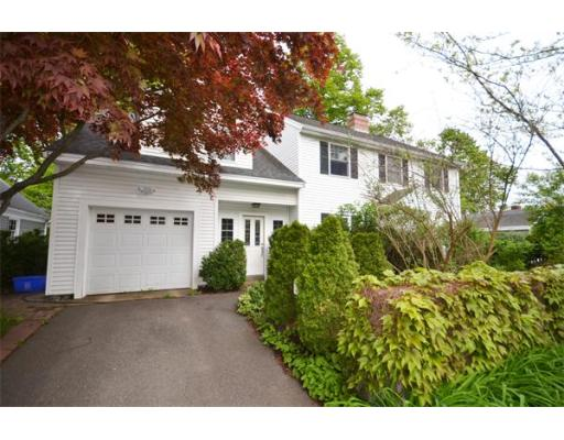 34  Woodbury St,  Beverly, MA