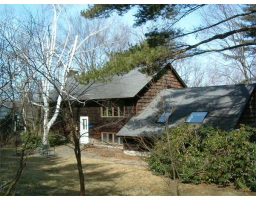 11  Stagecoach Road,  Amherst, MA