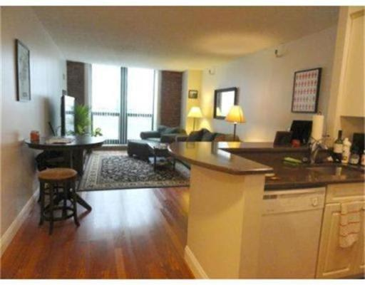 Additional photo for property listing at 42 8th 42 8th Boston, Massachusetts 02129 États-Unis