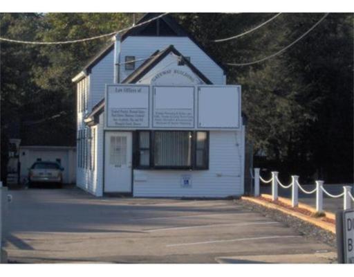 独户住宅 为 销售 在 666 Pleasant Street 布罗克顿, 马萨诸塞州 02301 美国