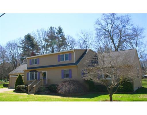 16  Brookside Rd,  Bellingham, MA