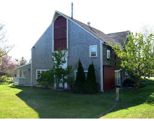 Casa Unifamiliar por un Venta en 660 Main/Route 6a 660 Main/Route 6a Barnstable, Massachusetts 02668 Estados Unidos