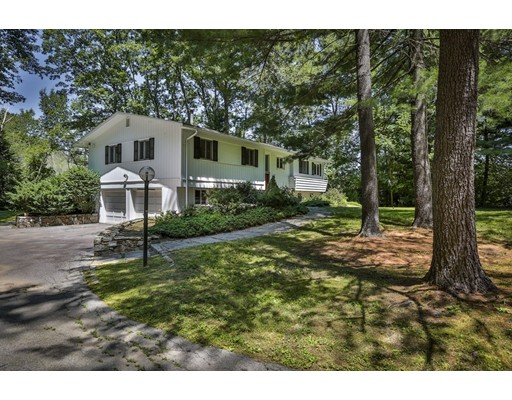 3 Edgewater Dr, Dover, MA 02030