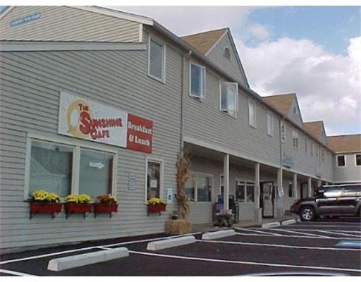 Коммерческий для того Аренда на 12 Harding Street 12 Harding Street Lakeville, Массачусетс 02347 Соединенные Штаты