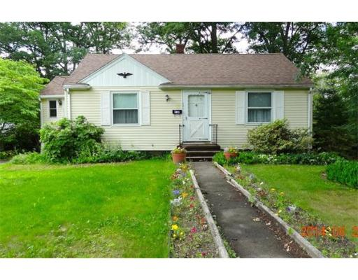 284  Common St,  Braintree, MA