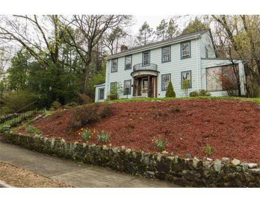 Single Family Home for Sale at 30 Oak Cliff Road 30 Oak Cliff Road Newton, Massachusetts 02460 United States