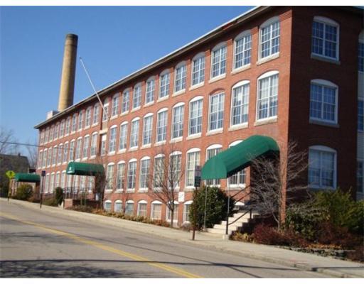 商用 为 销售 在 67 Mechanic Street Attleboro, 马萨诸塞州 02703 美国