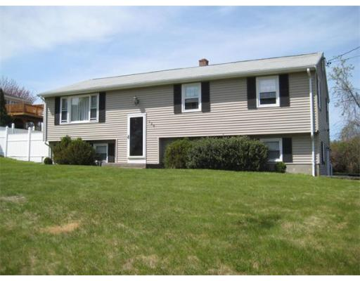 126  Circle Dr,  Somerset, MA