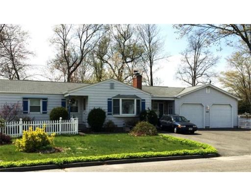 160  Woodcrest Dr,  Chicopee, MA